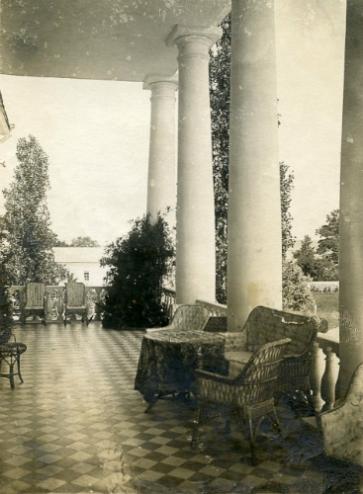 Grafskoye 1914 Terrace